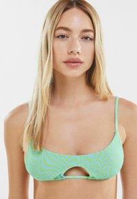 Bershka - MIT BÄNDERN  - Bikini top - turquoise - 3