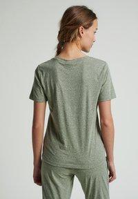 Hummel - Basic T-shirt - vetiver melange - 2