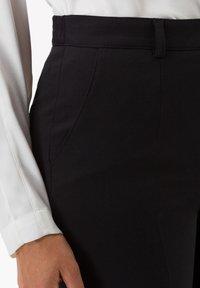 BRAX - STYLE SILVIA - Trousers - black - 3