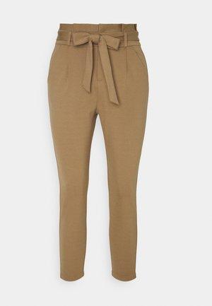 VMEVA LOOSE PAPERBAG PANT - Trousers - sepia tint