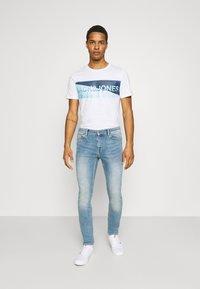 Jack & Jones - JCOJENSON TEE CREW NECK - Print T-shirt - white - 1