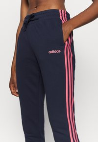 adidas Performance - PANT - Joggebukse - dark blue/light pink - 4