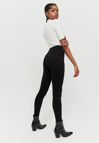 TALLY WEiJL - SKINNY  - Jeans Skinny Fit - black - 2