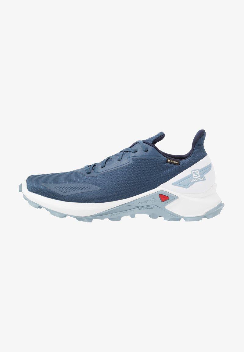 Salomon - ALPHACROSS BLAST GTX - Běžecké boty do terénu - dark denim/white/ashley blue