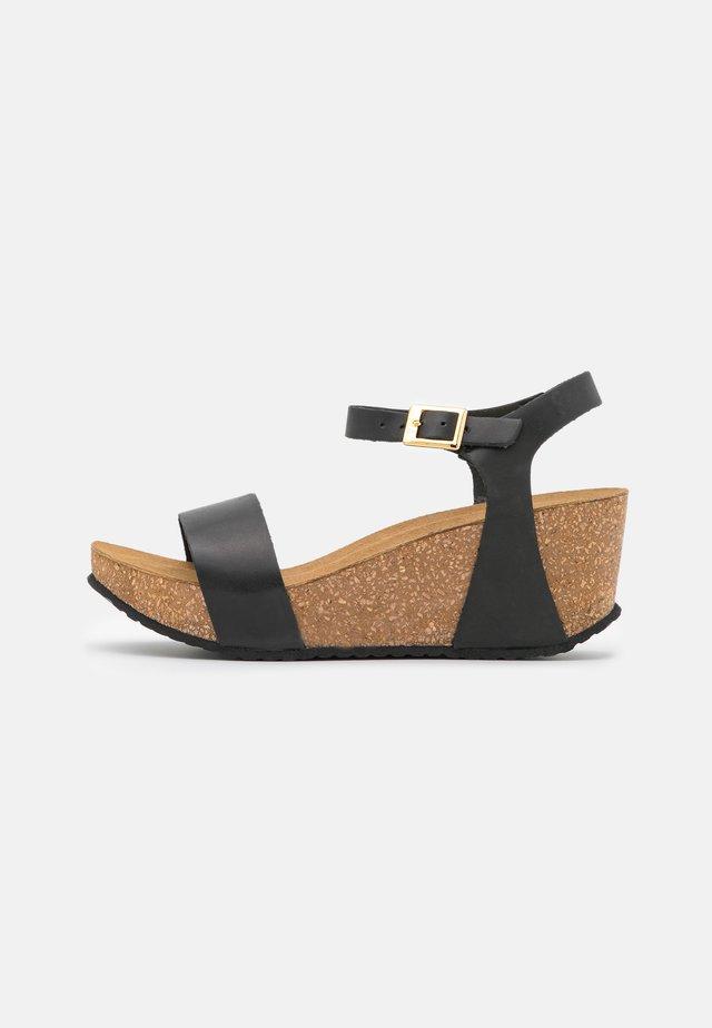 CINDY - Korkeakorkoiset sandaalit - black