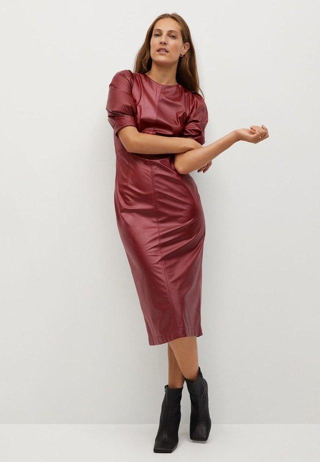 VINO-I - Day dress - donkerrood