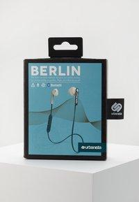 Urbanista - BERLIN BLUETOOTH - Høretelefoner - blue petroleum - 3