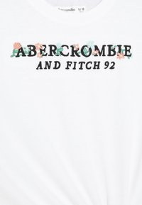 Abercrombie & Fitch - KNOT FRONT TECH CORE - Triko spotiskem - white - 2