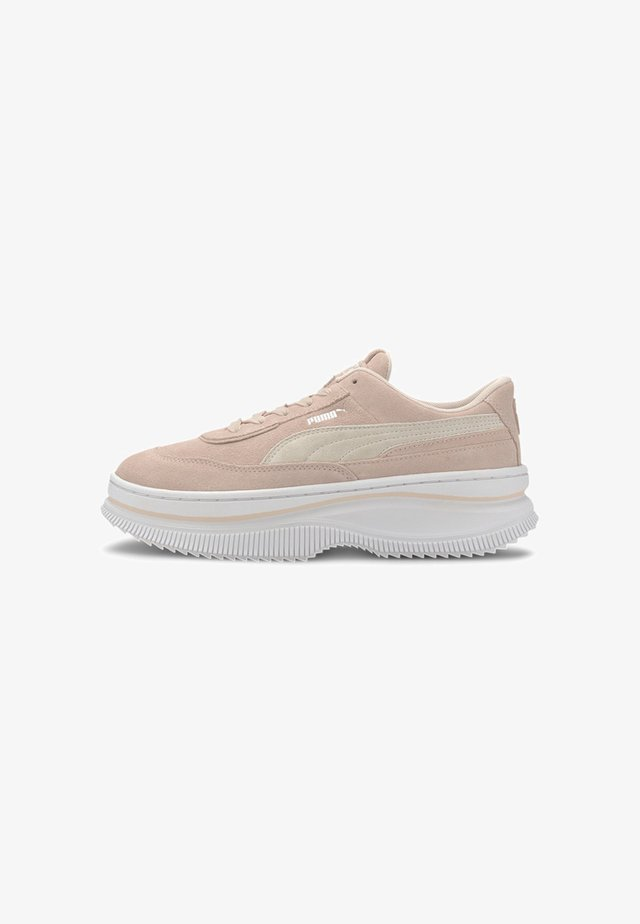 PUMA DEVA SUEDE WOMEN'S TRAINERS FEMALE - Matalavartiset tennarit - rosewater-puma white