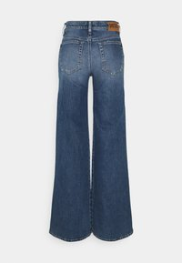 Diesel - D-AKEMI - Relaxed fit jeans - medium blue - 1