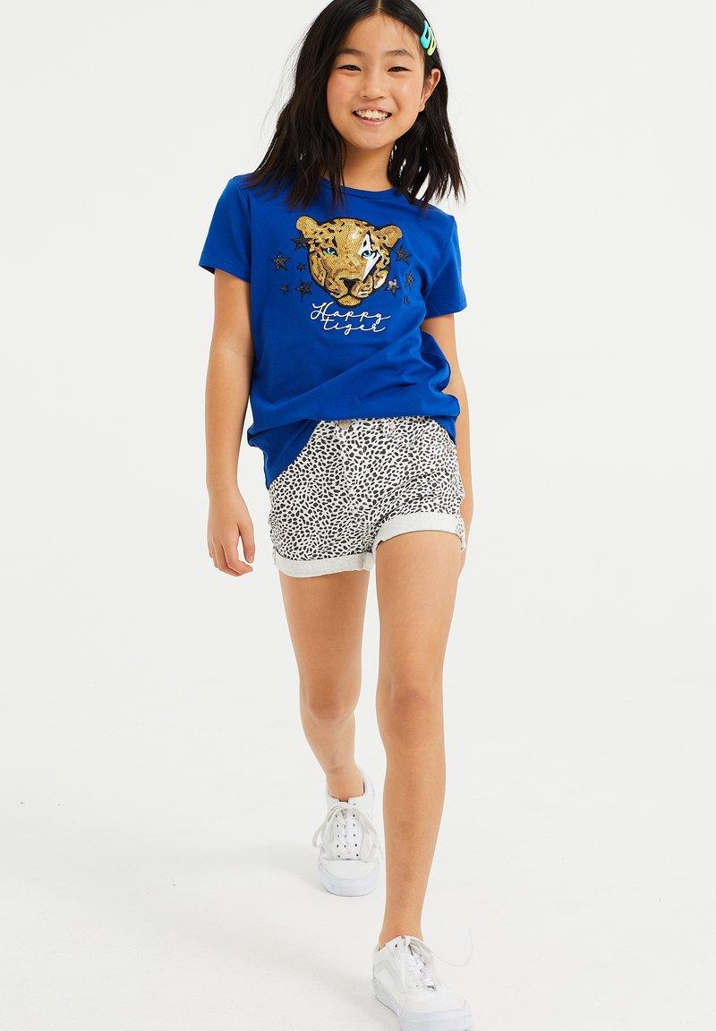 WE Fashion - MET GLITTEROPDRUK - T-shirt print - cobalt blue