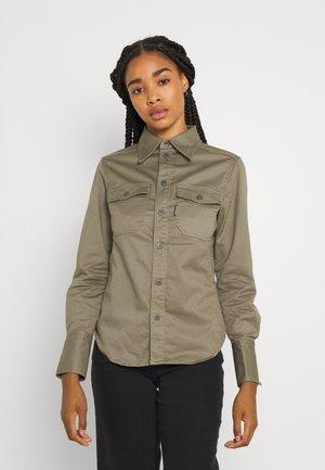 KICK BACK - Button-down blouse - cavalry