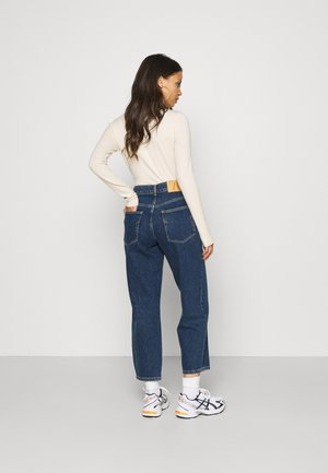 SLFLYDA CROPPE INKY - Relaxed fit jeans - medium blue denim