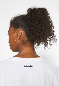 Afends - TRIP TO THE MOON - Print T-shirt - white - 5