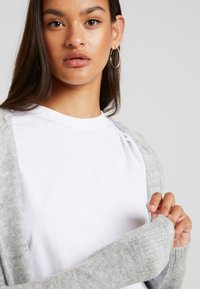 Vero Moda - VMMURE - Cardigan - light grey melange - 3