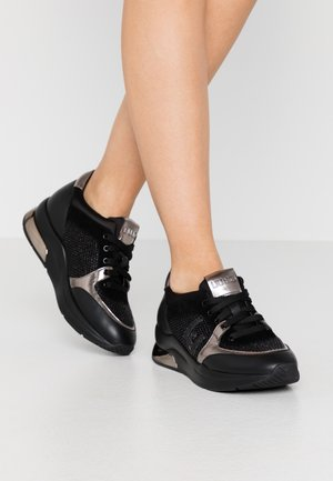 KARLIE  - Baskets basses - black