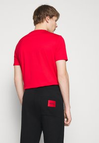 HUGO - DEASTY - Pantaloni sportivi - black - 4