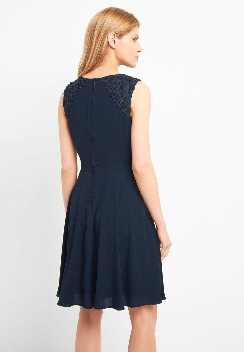 ORSAY KLEID MIT APPLIKATION - Cocktailkleid/festliches Kleid - tintenblau