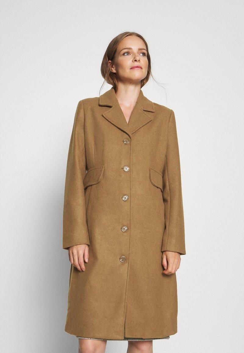 Karen by Simonsen - Klasický kabát - brown sugar