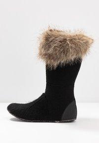 Sorel - JOAN OF ARCTIC - Zimní obuv - camel brown/black - 7