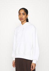 adidas Originals - HOODIE  - Sweatshirt - offwhite - 0