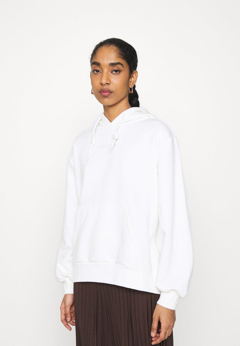adidas Originals - HOODIE  - Sweatshirt - offwhite