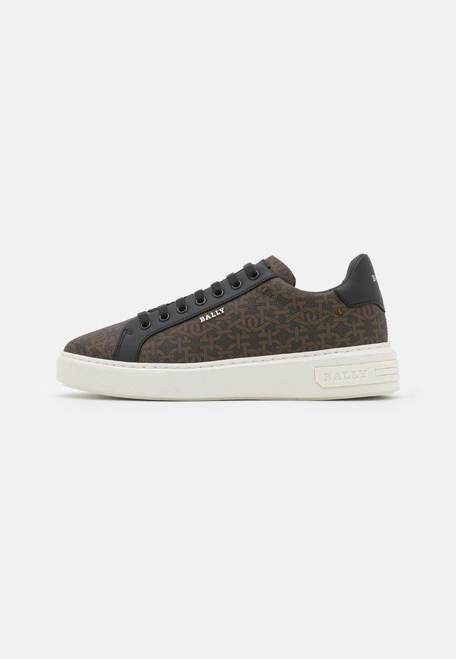 MIKY - Sneakersy niskie - dark brown