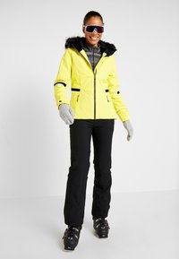 Ziener - TOYAH LADY - Ski jas - yellow power - 1