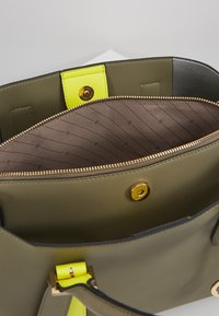 L. CREDI - ELUISE - Handbag - khaki - 4