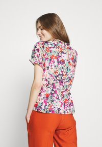 J.CREW - CRINKLE CYRANO FLORAL - Blouse - cranberry pink - 2