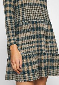 JDY - JDYBRIENNE DRESS - Robe pull - deep teal/travatine check - 4