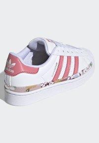 adidas Originals - SUPERSTAR SHOES - Sneakers laag - ftwr white/hazy rose/hazy rose - 3