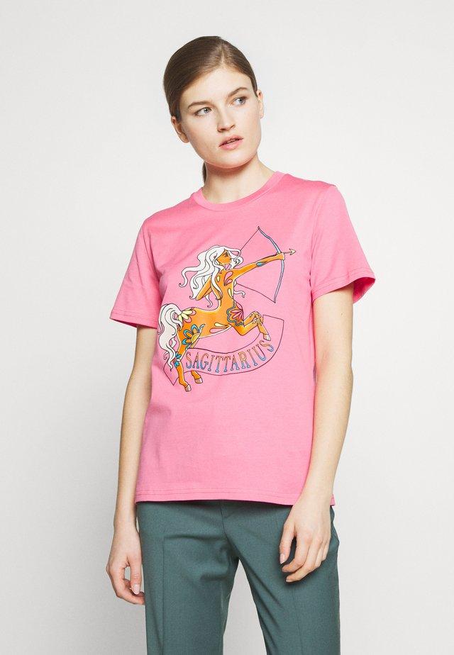 LEO - T-shirt print - pink