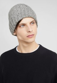 Johnstons of Elgin - DONEGAL CASHMERE BEANIE - Beanie - light grey mix - 1
