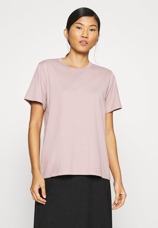 STANDARD TEE - Basic T-shirt - mushroom