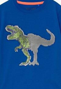 Blue Seven - SMALL BOYS T-REX DINOSAUR - Print T-shirt - royal - 2