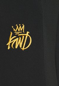 Kings Will Dream - CANEYJOGGER - Pantaloni sportivi - black/gold - 5