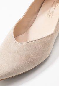Peter Kaiser - SHADE - Classic heels - sand - 2