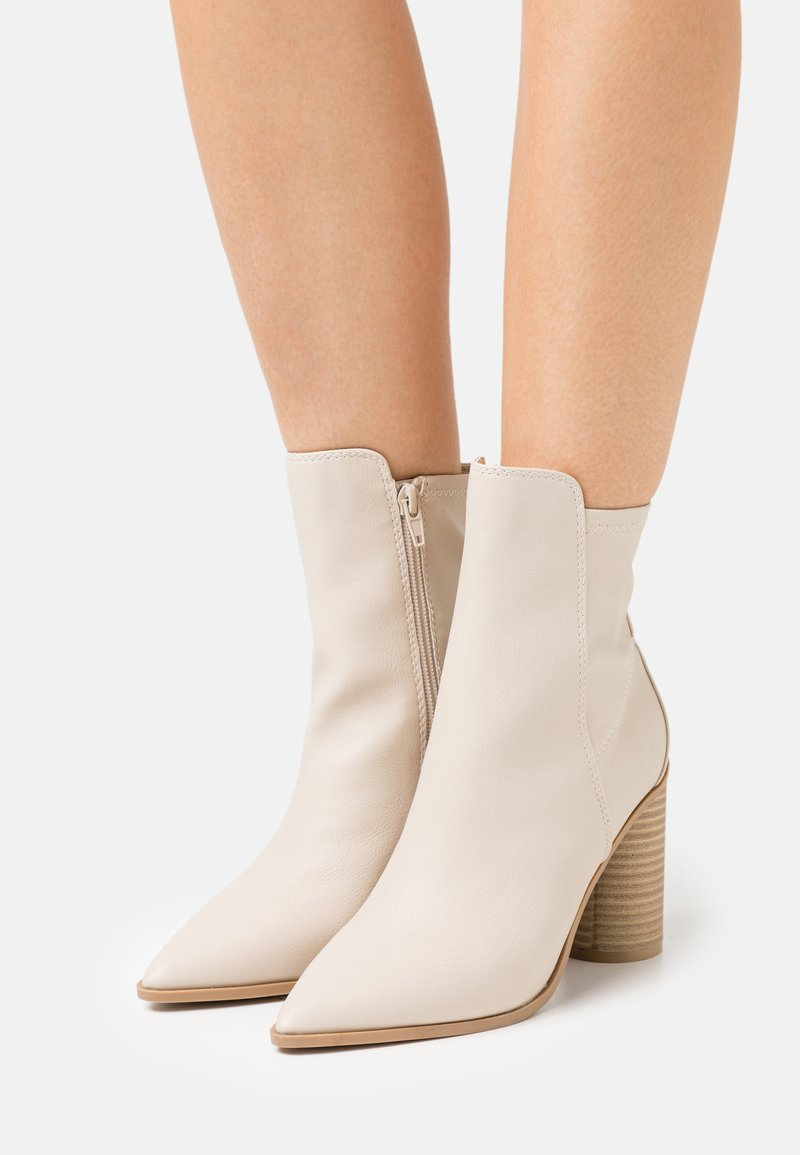 Call it Spring - CLOEY - Classic ankle boots - bone