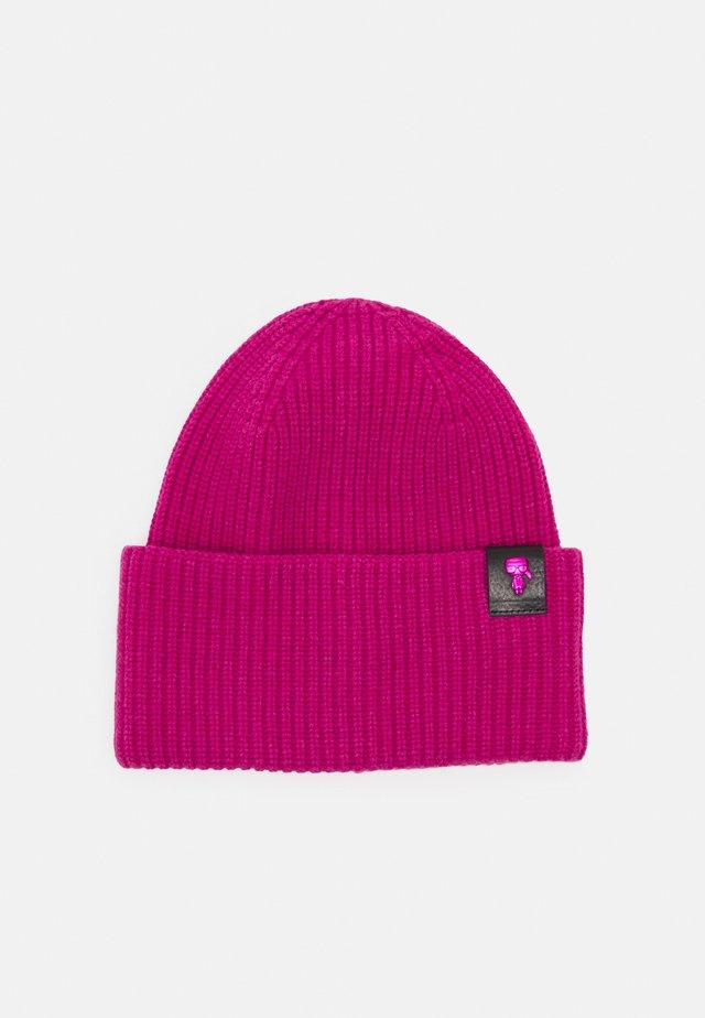 IKONIK 3D PIN BEANIE - Mütze - pink