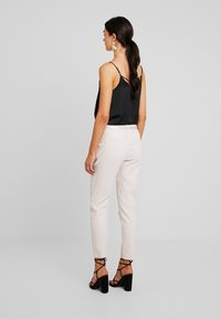 Fiveunits - KYLIE CROP - Trousers - bright sky - 3
