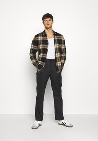 Only & Sons - ONSNEW OMAR - Skjorta - brown - 1