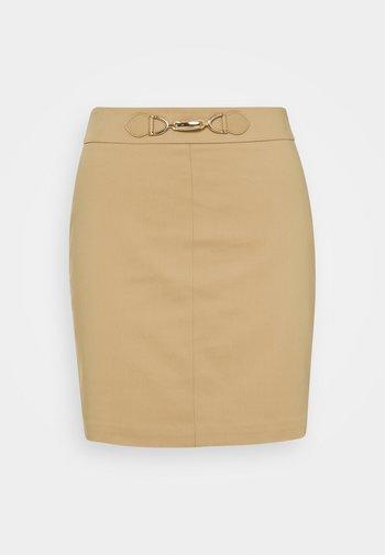 JBOUCLE - Minifalda - chamois