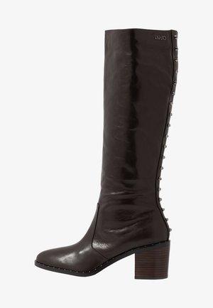 OLIVIA - Støvler - dark brown