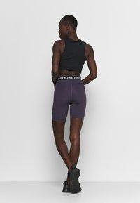 Nike Performance - SHORT HI RISE - Tights - dark raisin/black - 2