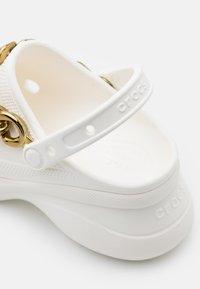 Crocs - CLASSIC  - Heeled mules - white/gold - 5