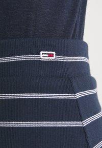 Tommy Jeans - LONG BODYCON STRIPES SKIRT - Pencil skirt - twilight navy - 4