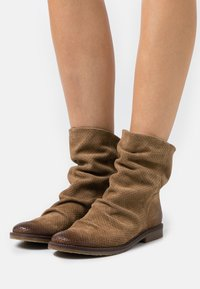 Felmini Wide Fit - CLASH - Classic ankle boots - marvin stone - 0