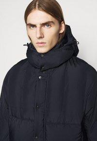 Henrik Vibskov - TILES LONG COAT - Winter jacket - navy - 5