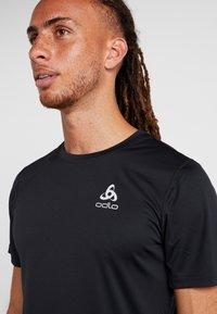 ODLO - CREW NECK CERAMICOOL ELEMENT - Basic T-shirt - black - 3